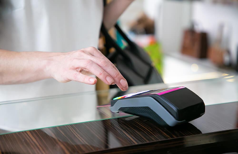 8 sfaturi care te ajută să împiedici frauda cu ajutorul cardurilor