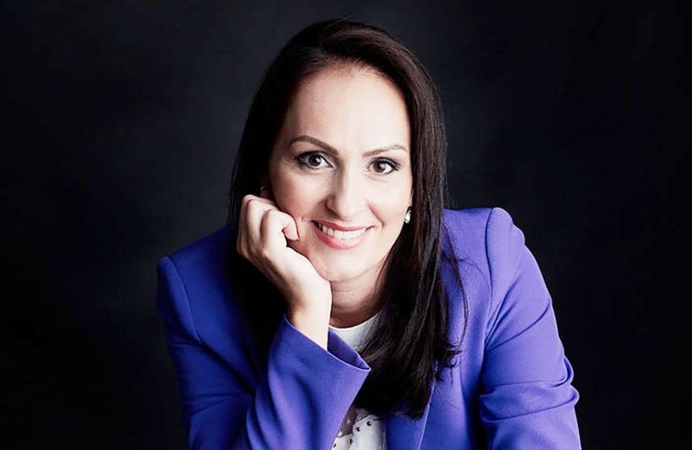 """Alina Paul: """"Nu există un secret pentru a reuși, e nevoie de multă muncă, pasiune și dedicare în tot ce faci"""" – Interviu de Carmen Burtea pentru Ziarul News, Ediția Națională"""